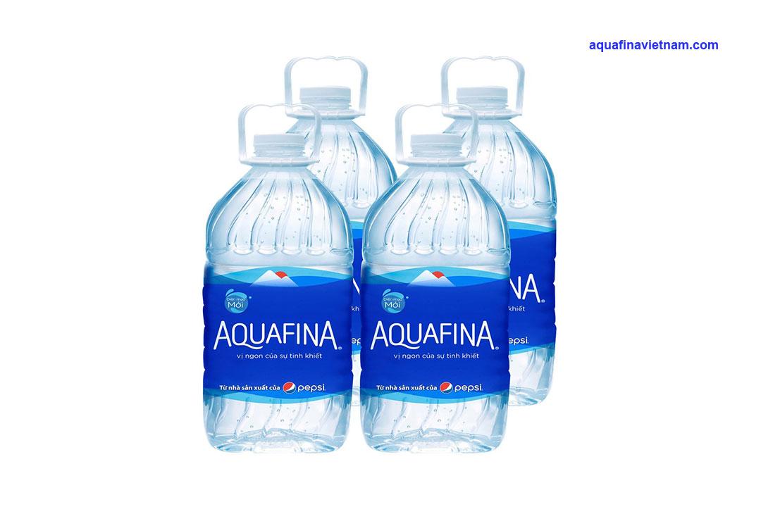 Nước tinh khiết Aquafina và Chương Dương có gì khác biệt?