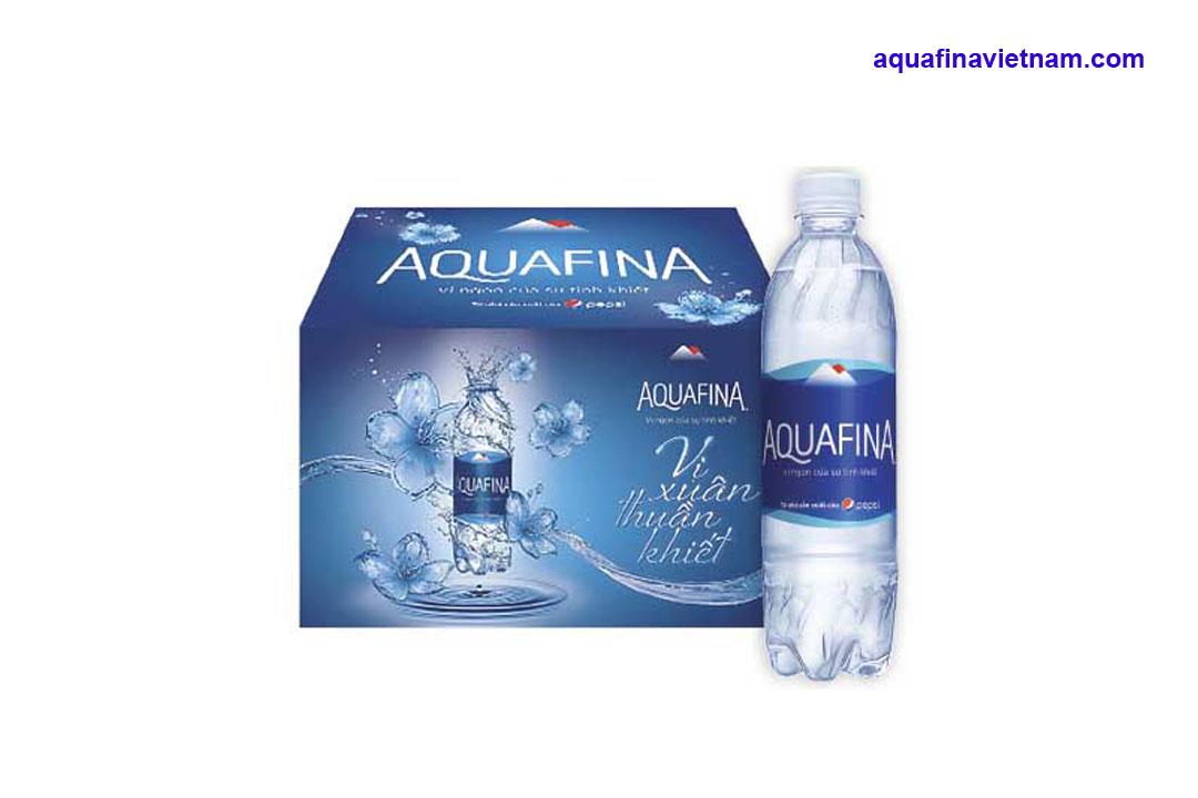 Nên chọn mua nước tinh khiết Aquafina hay Wells?
