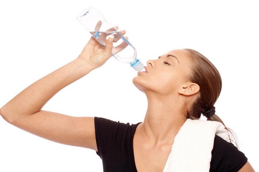 Uống nước khi tập thể dục