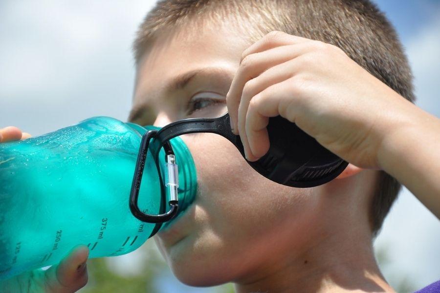 Uống nước trước khi chạy